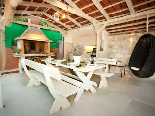 Villa Marjan in Split near city center and beach