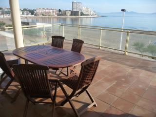 Fabuloso piso en 1a linia de mar ( HUTG-022677), L'Escala