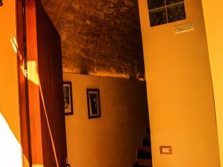 Entrance: Chiasso Calabro 3 Ragusa Ibla