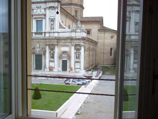 La Loggetta apt 5, in historic center, parking, Ravenna