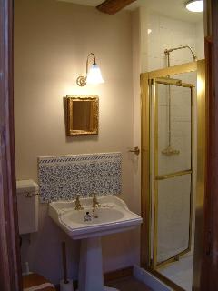 The shower room and wc at Oak Apple Barn