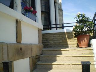 STEPS UP TO BUILDING