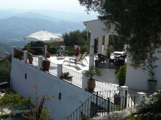 Casa Beni, Canillas de Aceituno