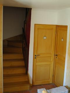 L'escalier d'accès aux chambres d'hôtes