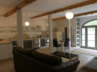 Two nights minimum luxurious get away apartment, Carcassonne