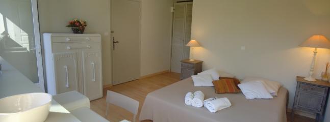 La chambre côté Sud, avec lit double