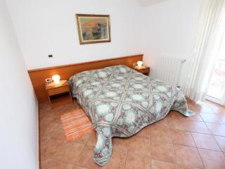 ROBERT Two-Bedroom Apartment with Sea View, Rovinj
