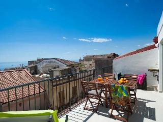 Exclusive terrace apartment in Taormina