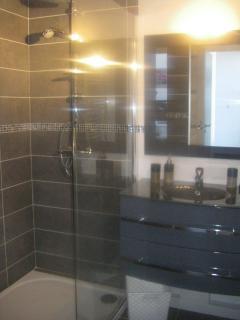 salle de bain gîte 'Orchidée'