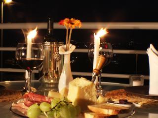 aperitivo cena in camera deluxe