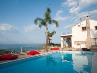 Villa Zagara Garden camera matrimoniale panoramica con terrazza vista mare, Taormina