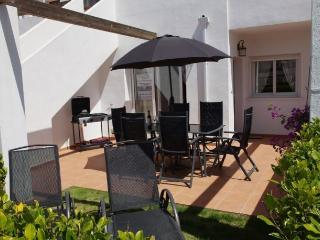 CDA3- 3 Bed 1 Bath Golf Apartment, communal pool, registered with Tourist Board