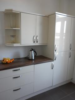 ...with integrated appliances including washer, fridge/freezer and dishwasher