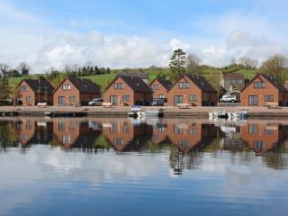 Tullybay Holiday Homes, Enniskillen