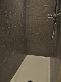 Salle de bain - Bathroom 2/2 - Home Frit' Home