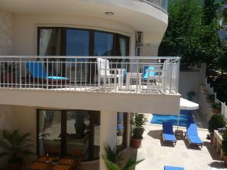 Apartment in Central Kalkan w/pool and sea views