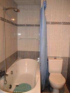 Bathroom middle floor