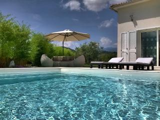VILLA KATIA SWIMMING POOL HEATED STAY ON SUNDAY, Oletta