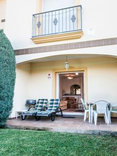Private garden with double bedroom above. Enjoy afternoon sun, dine al-fresco & watch the fab su