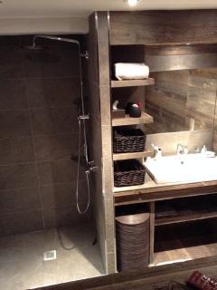 Bedroom1 : Bathroom (Appartment1)
