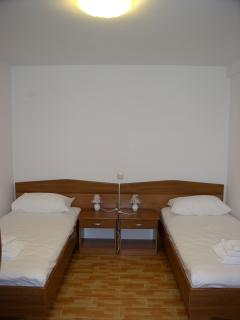 Main bedroom,two single beds