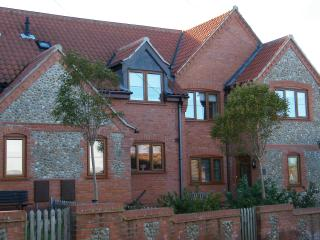Fireman's Cottage, Mundesley, Norfolk - Sleeps 8/9