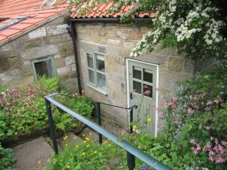 Pine Cottage - Gorgeous Cottage with Bay View, Robin Hoods Bay