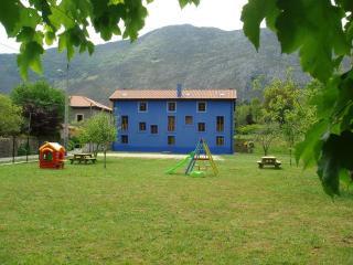 Apartamentos Rurales La Lloberiza
