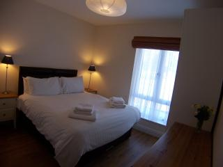 King/Twin Bedroom with Ensuite