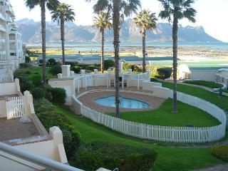 Cape Town, Greenways, Golf resort, Sea View Apartment
