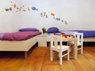 familiy suite, children bedroom