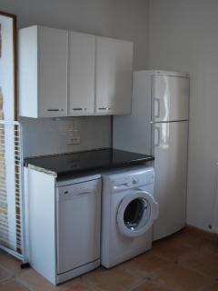 One-Bedroom Gite White Goods
