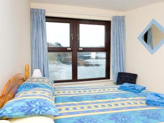 3 bedroomed apartment with beach views in Looe.