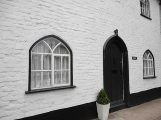 Gothic Cottage Period Holiday Cottage, Huntingdon