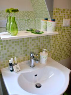 il bagno della stanza salvia
