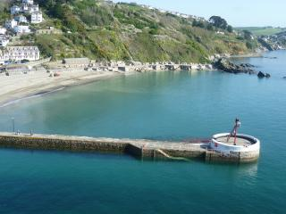 9 ROCK TOWERS-3 bedrms in Looe,beach views & WiFi