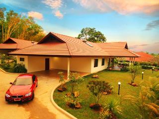 Lai Thai Villa Phuket, Nai Harn