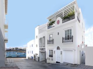 CASA TUCANA LUXURY APARTMENT in the town center, Arrecife