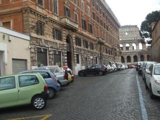 Martina al Colosseo, Rome