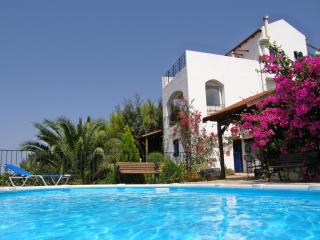 LUXURY APARTMENT with PRIVATE POOL AND SEA  VIEWS near GAVALOCHORI, CHANIA.