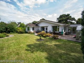 Chalet Bungalow near to Sandbanks, Bournemouth, Poole