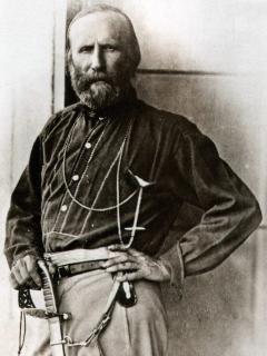 Museo Garibaldino con visite guidate (contattare .info. al museo), che visse a caprera diversi anni.