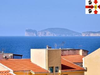 Central 2 bedroom, great view, Alghero