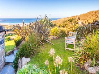 BASKING SHARK, lovely cozy cottage with great sea views by the beach