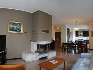 Elegant and big apartment in Vittorio Veneto 4/6 p