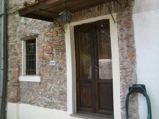 rustico con travi e mezzane, Lucca