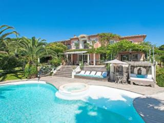 Saint-Tropez Superb Vacation Rental with a Pool and Garden, St-Tropez