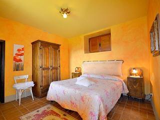 Monistero Saccione Villa Sleeps 2 with Pool and WiFi - 5229113