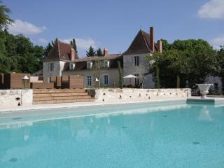 Luxury Dordogne Chateau, Eymet