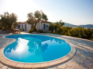 Elia Cottage Skopelos - private pool and sea views